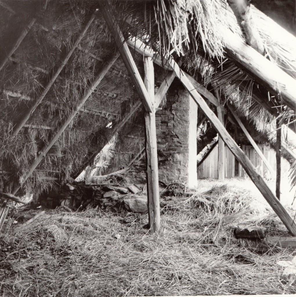 Střešní konstrukce a půda, konec 80. let 20. století.