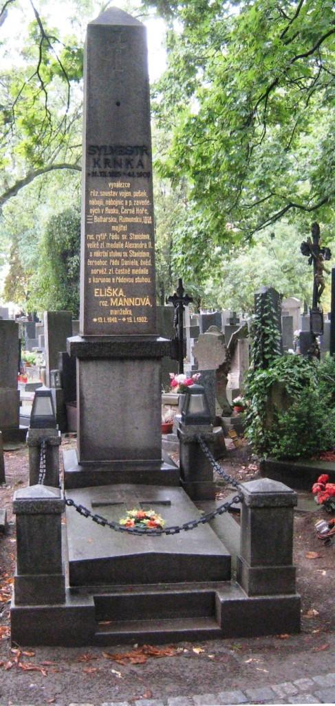 Hrob Sylvestra Krnky Na Zelené lišce po provedených opravách.