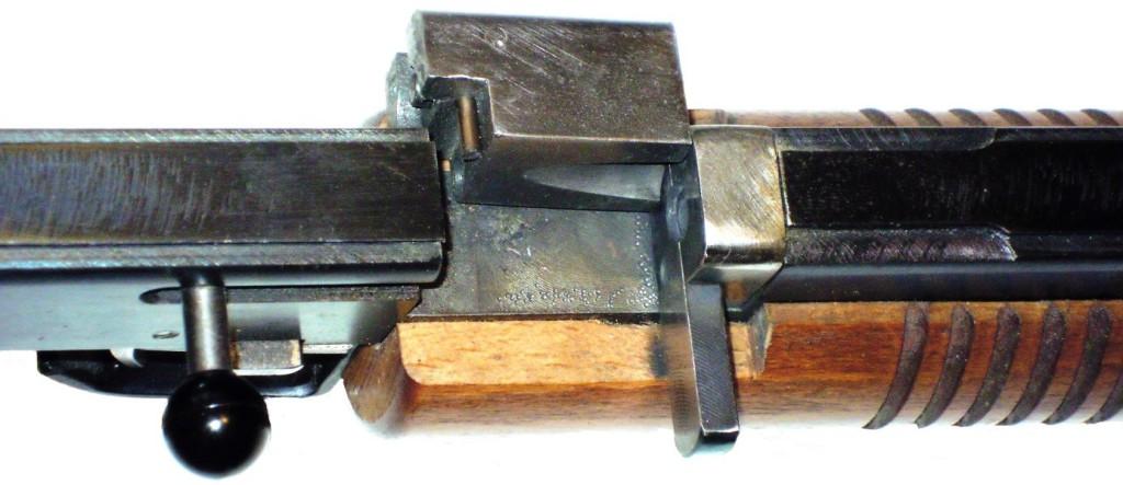 """Detail otevřeného závěru flobertky modelů """"K"""""""